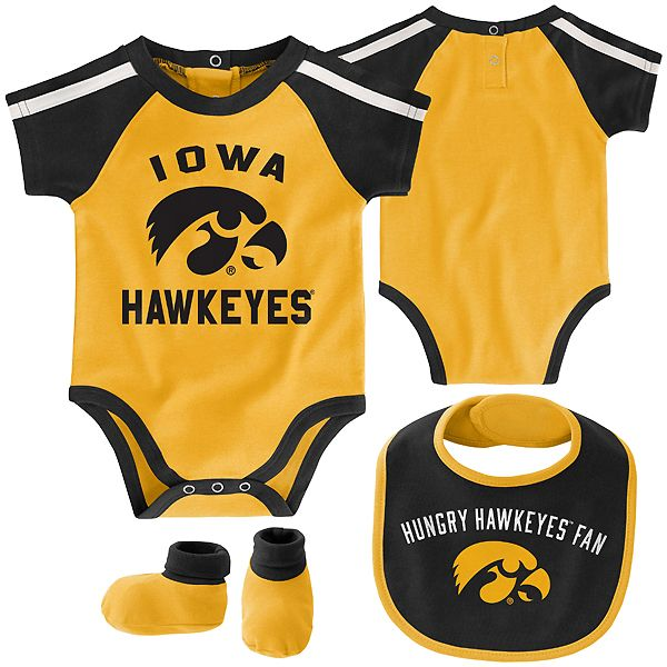 Iowa Hawkeyes Infant Tackle Creeper/Bib/Bootie Set