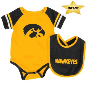 Iowa Hawkeyes Infant Roll-Out Onesie & Bib Set